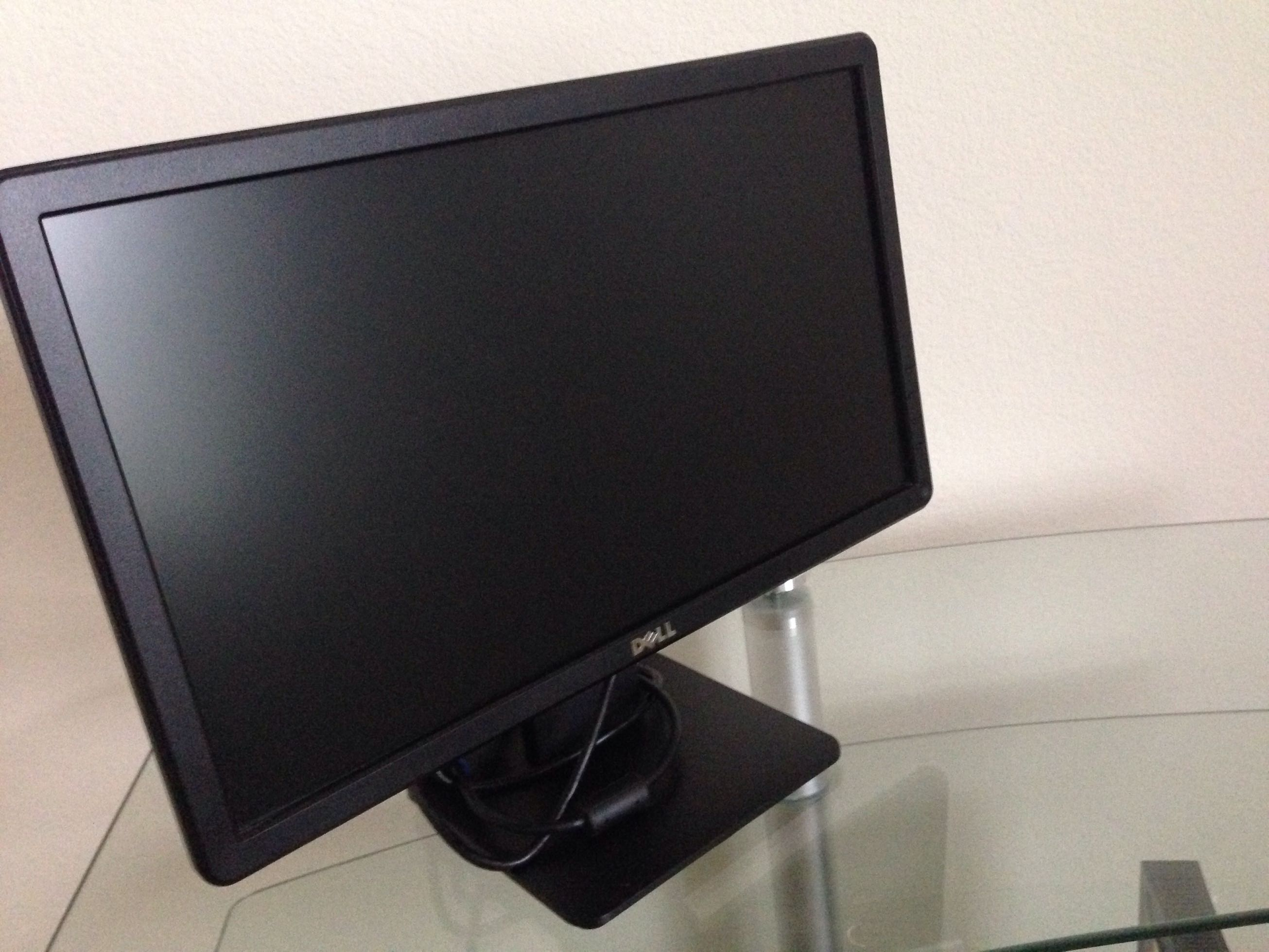 Dell Inspiron 660s windows 8 along with dell monitor model number e1914hf  18 5