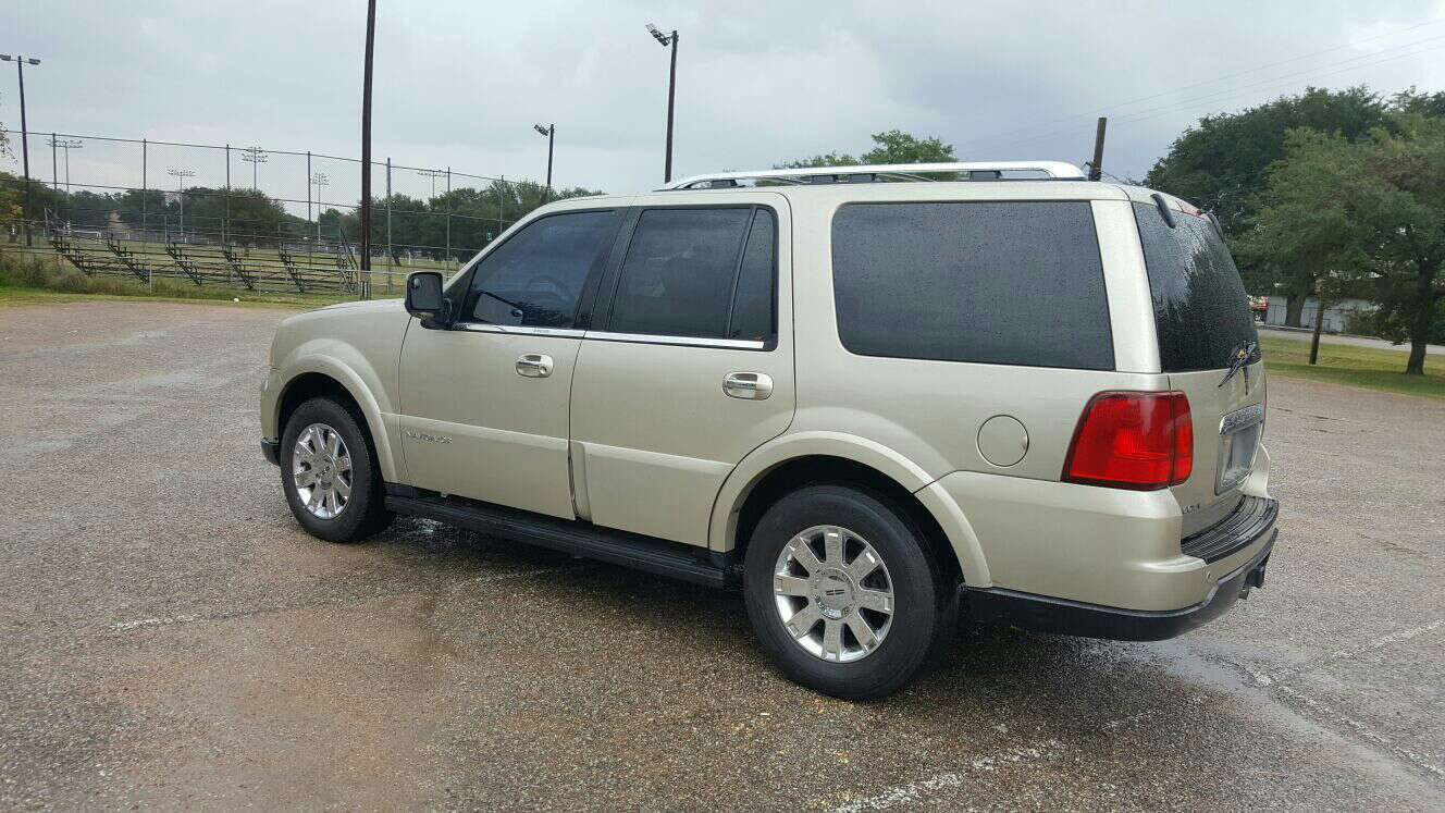 2005 lincoln navigator for sale in houston tx 5miles buy and sell. Black Bedroom Furniture Sets. Home Design Ideas