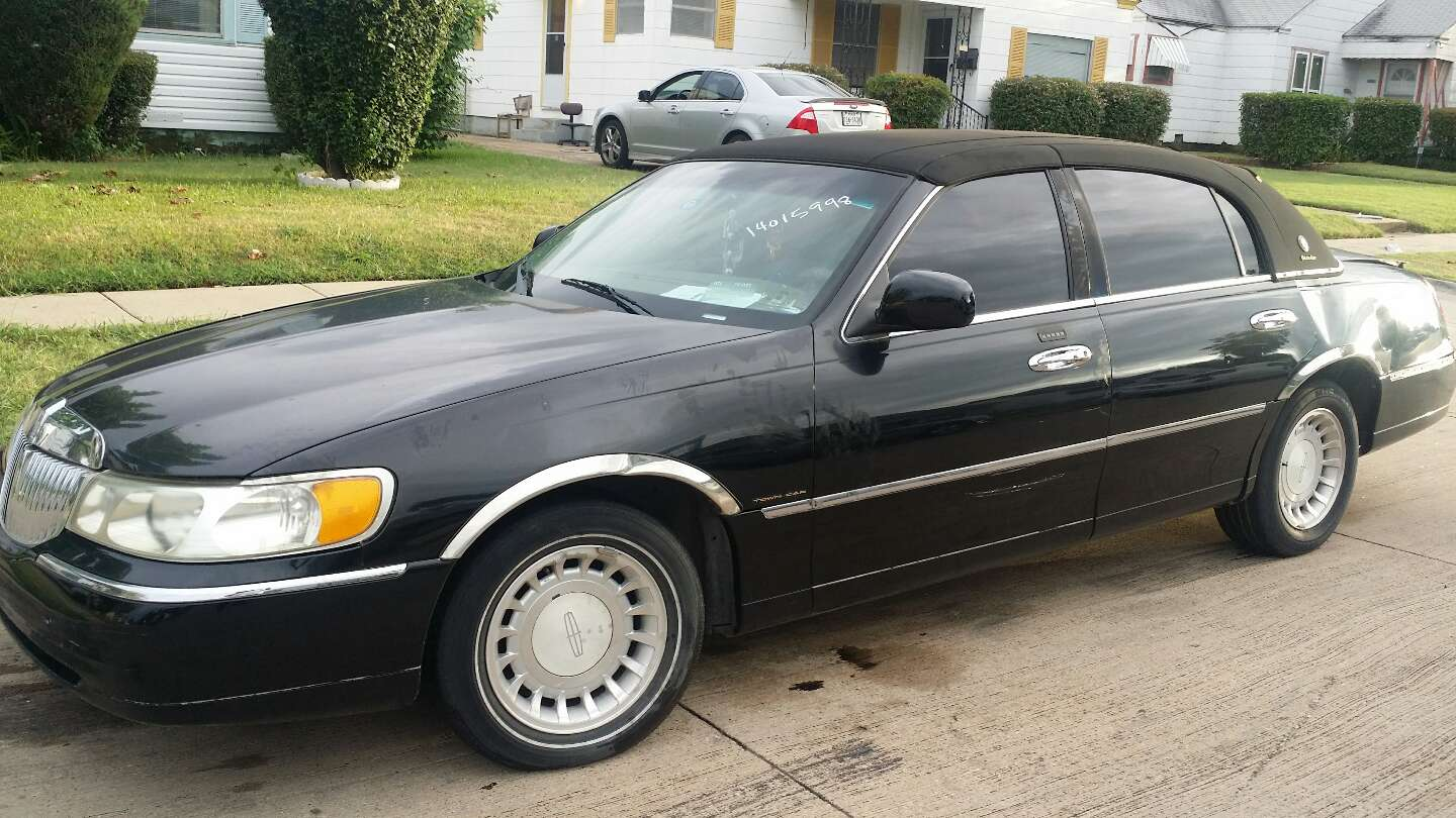 2000 Lincoln Town Car Parting Out For Sale In Fort Worth Tx 5miles Buy And Sell