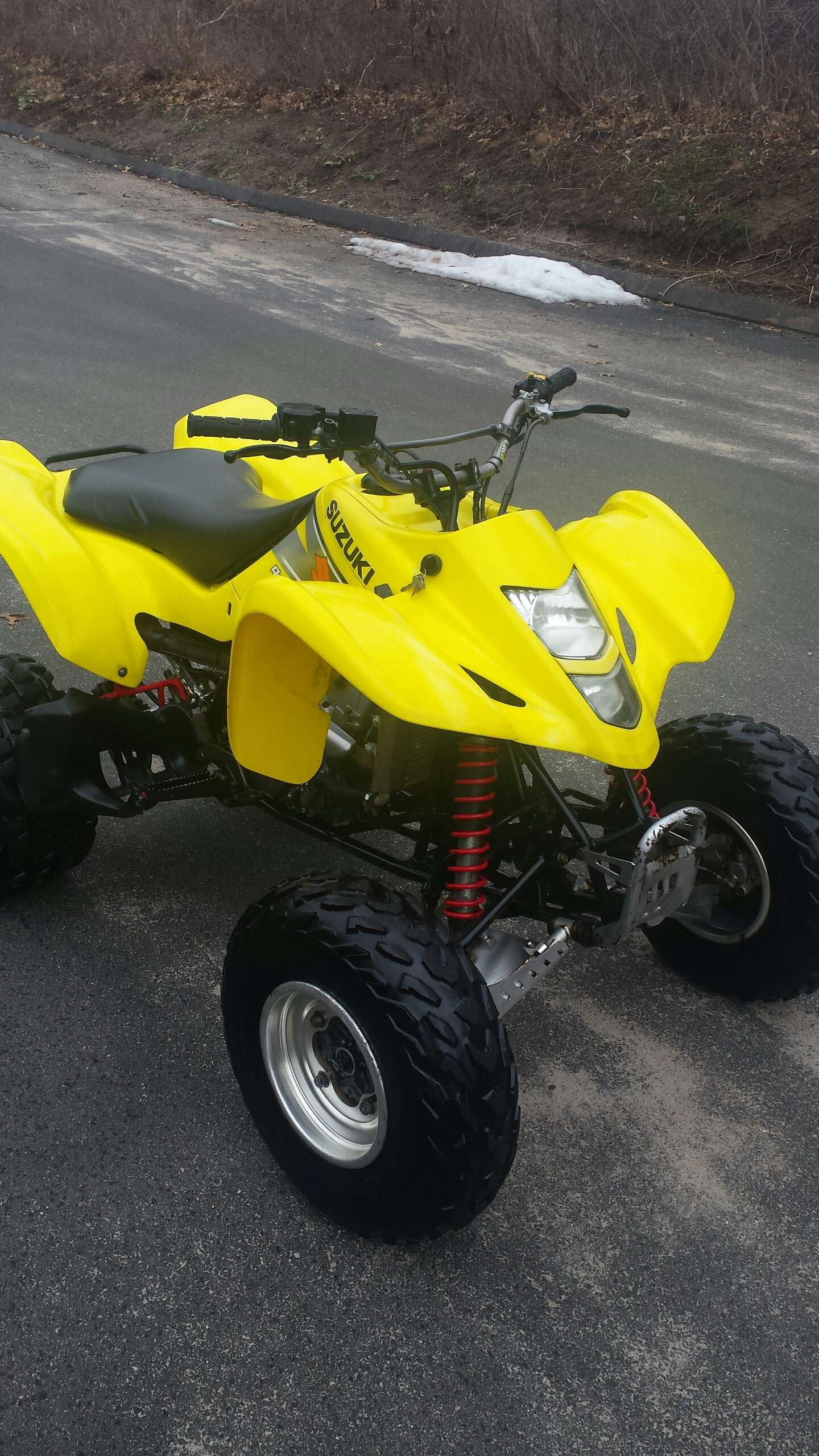 2004 suzuki ltz 400 for sale in west hartford ct 5miles buy and sell. Black Bedroom Furniture Sets. Home Design Ideas