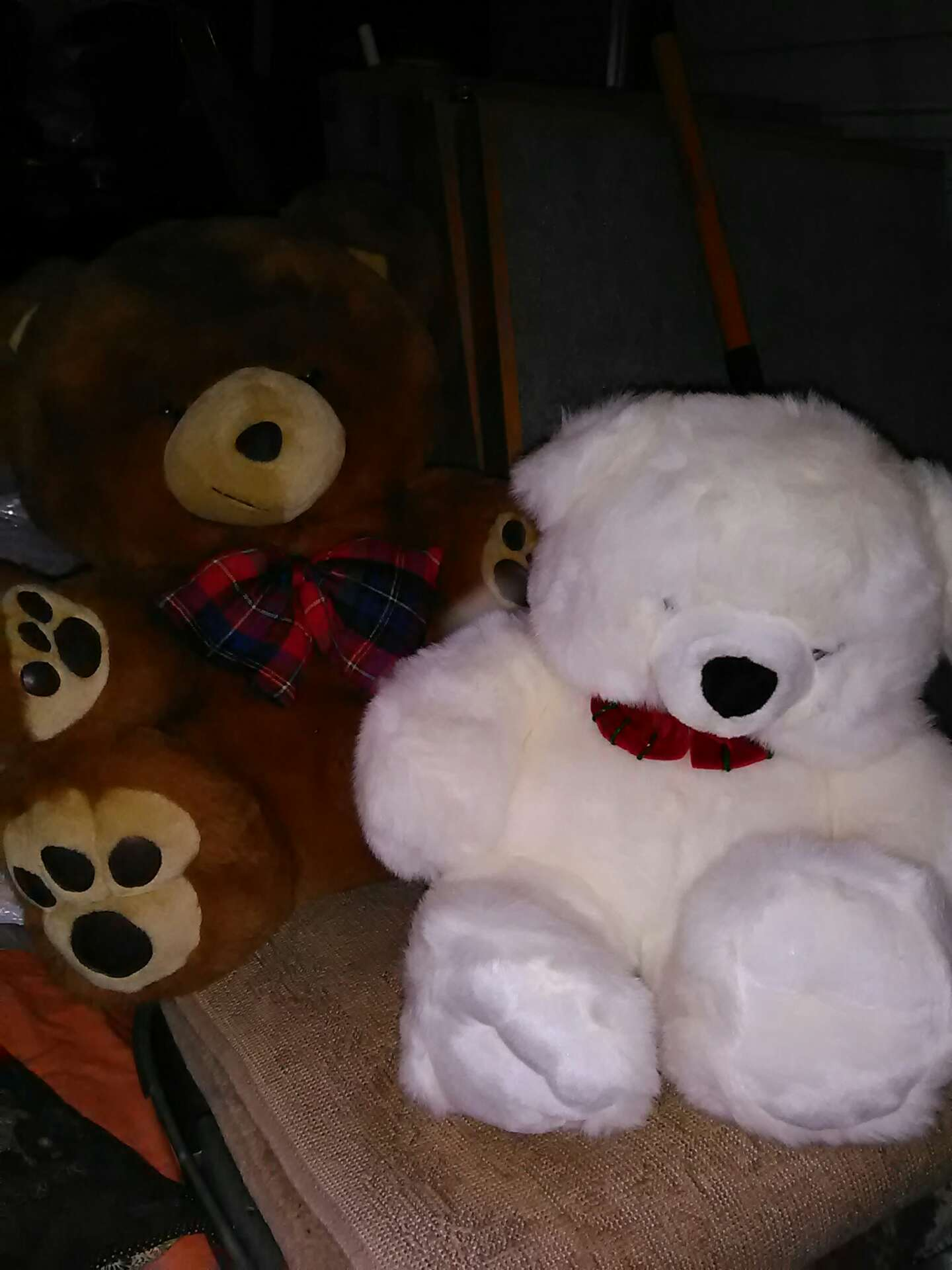 2 for 1 giant teddy bears for sale in oklahoma city ok 5miles buy and sell. Black Bedroom Furniture Sets. Home Design Ideas