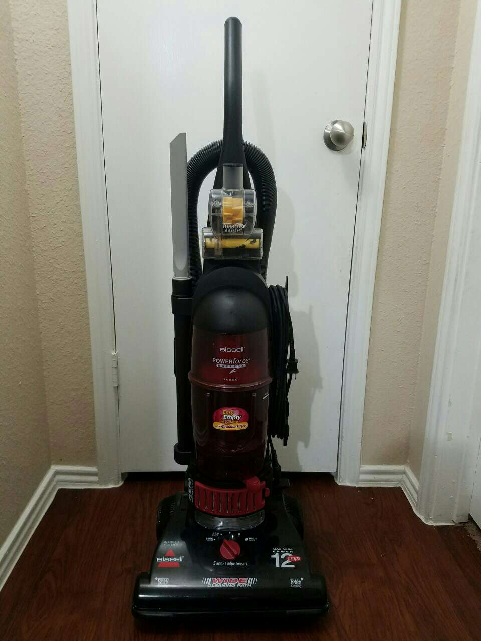 Home Electronics Bissell Powerforce Bagless Turbo Vacuum further Household Tools Eureka Optima 12  s Vacuum Cleaner besides Best Haunted Places together with 30893373 besides Eureka   Mighty Mite Canister Vacuum. on eureka rocking chair