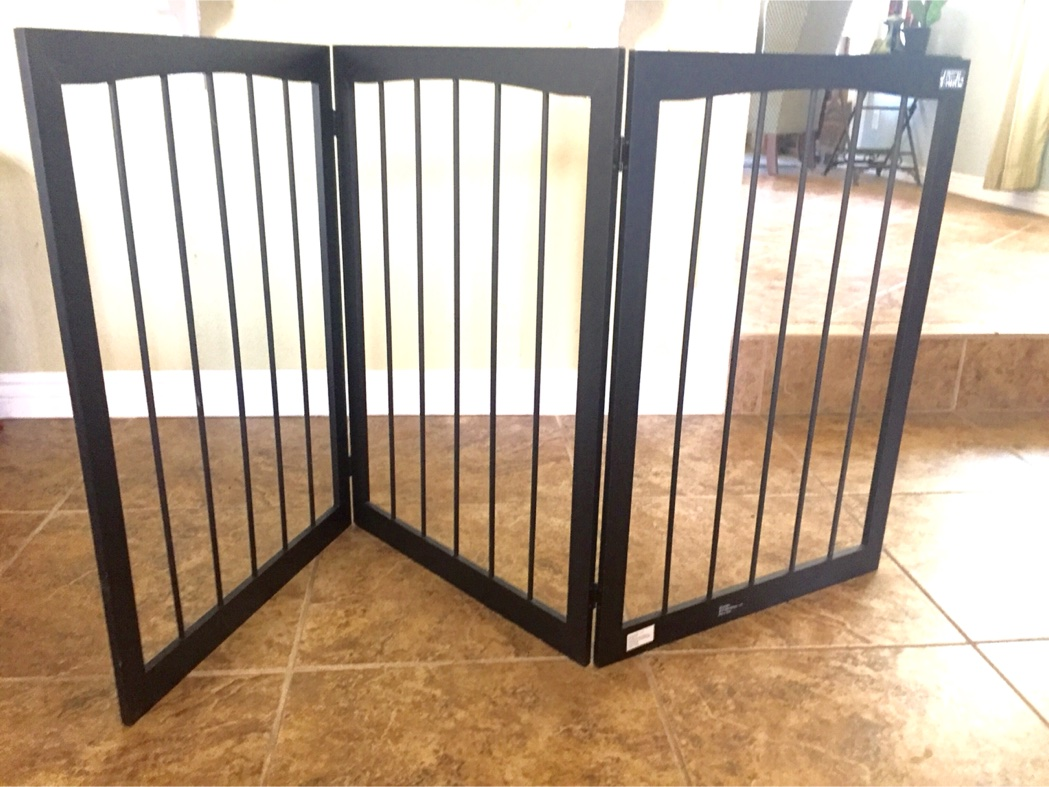 New Animal Planet Free Standing Wooden Pet Baby Gates