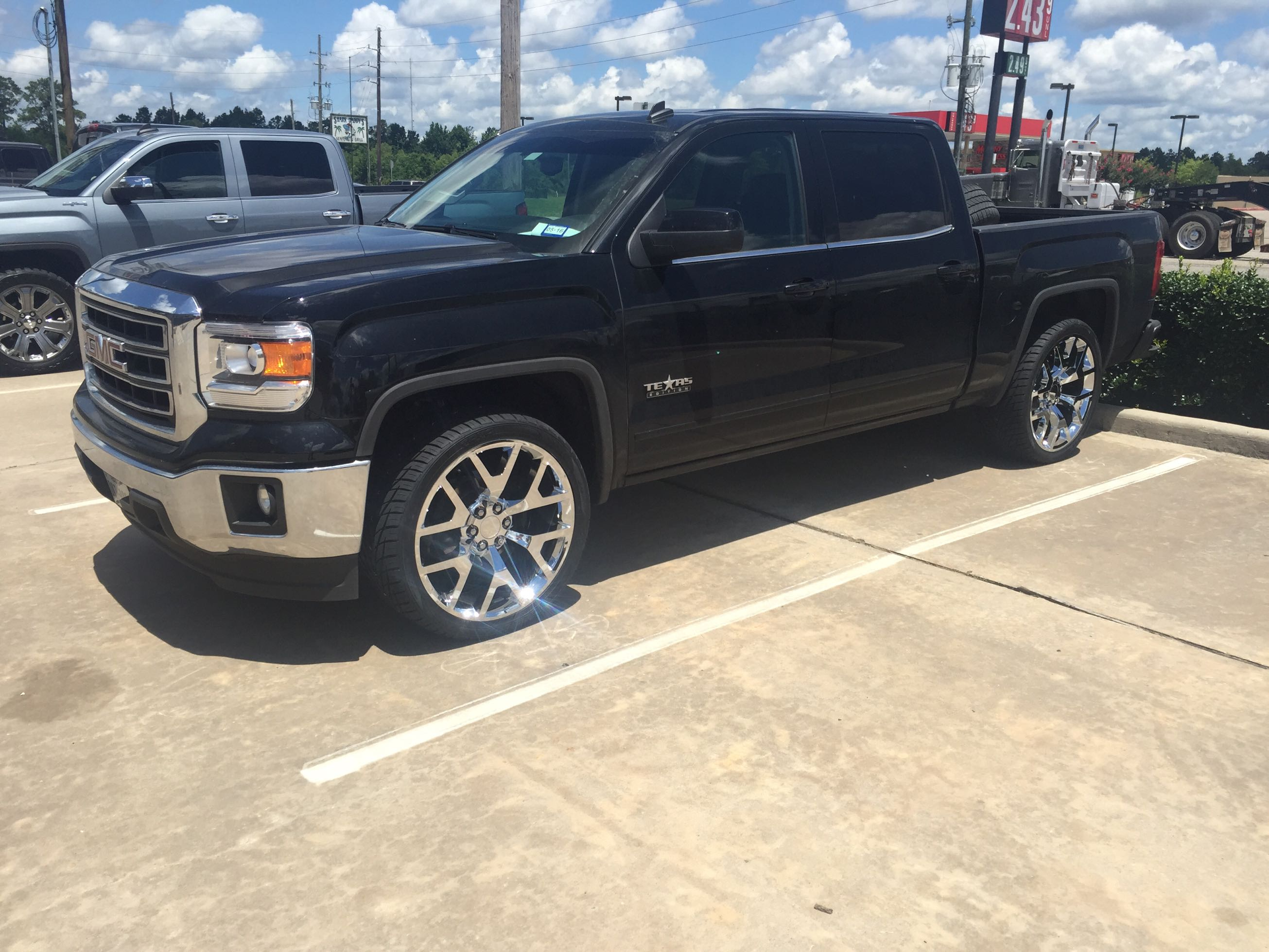 24 2014 gmc denali replica wheels for sale in magnolia tx 5miles buy and sell. Black Bedroom Furniture Sets. Home Design Ideas
