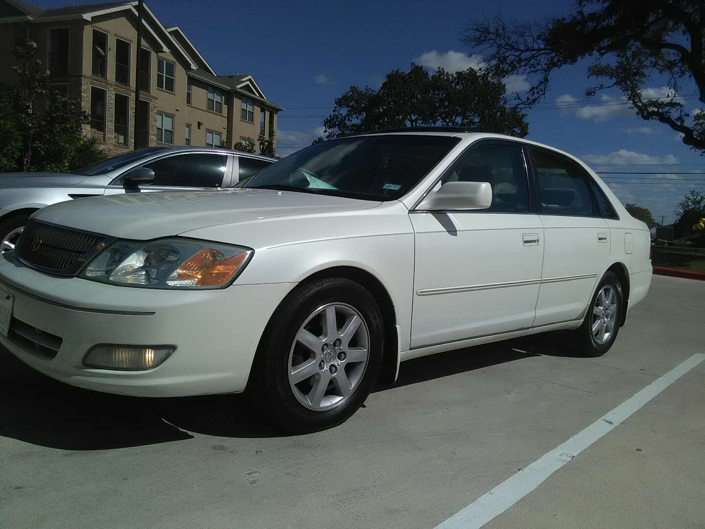 2001 toyota avalon xls for sale in pflugerville tx 5miles buy and sell. Black Bedroom Furniture Sets. Home Design Ideas