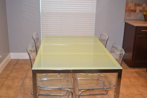 Ikea torsby kitchen table and 4 clear acrylic chairs for sale in Houston, TX - 5miles: Buy and Sell