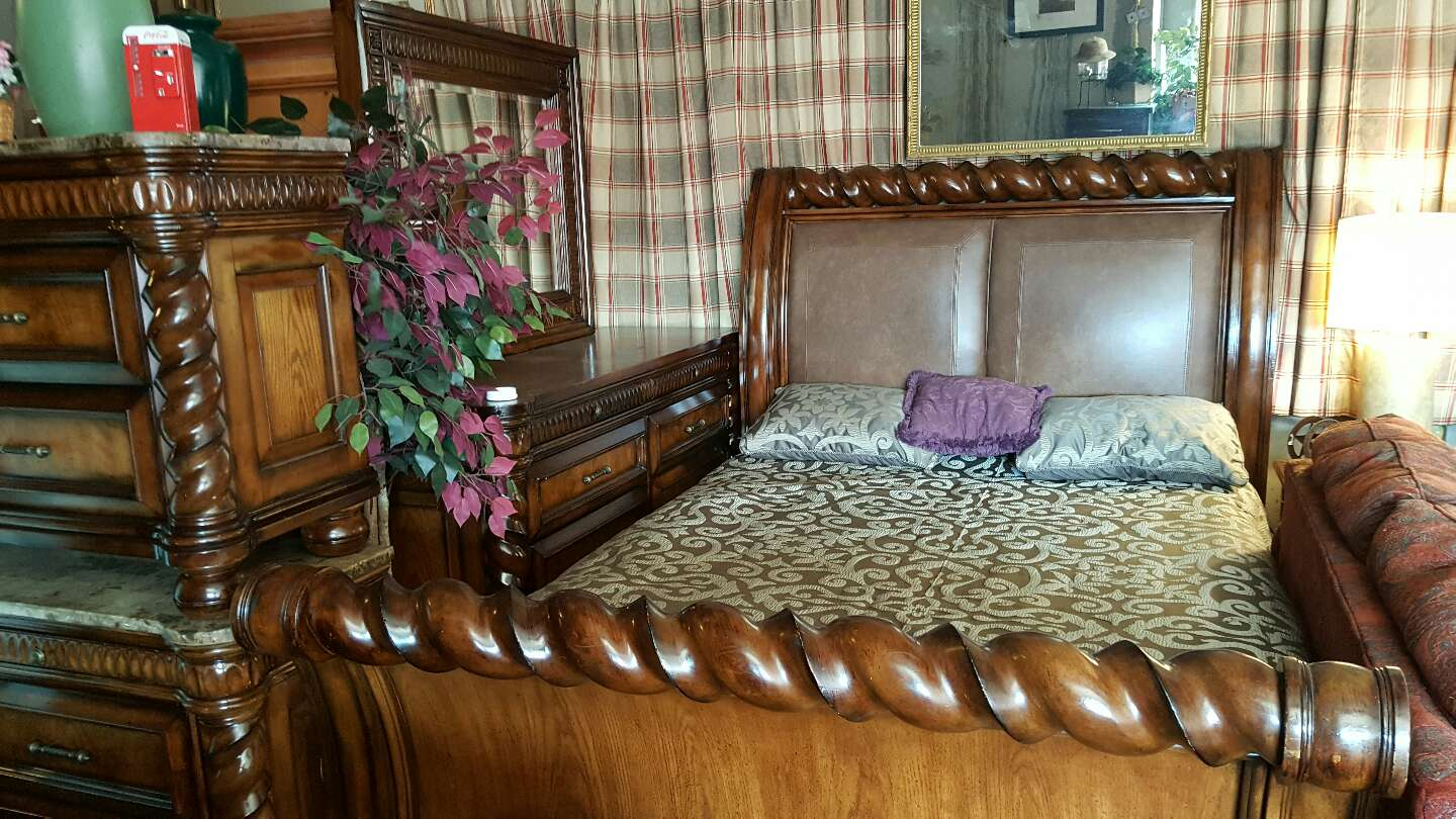Collezione Europa QUEEN SET New price! $2100 for sale in Burleson ...