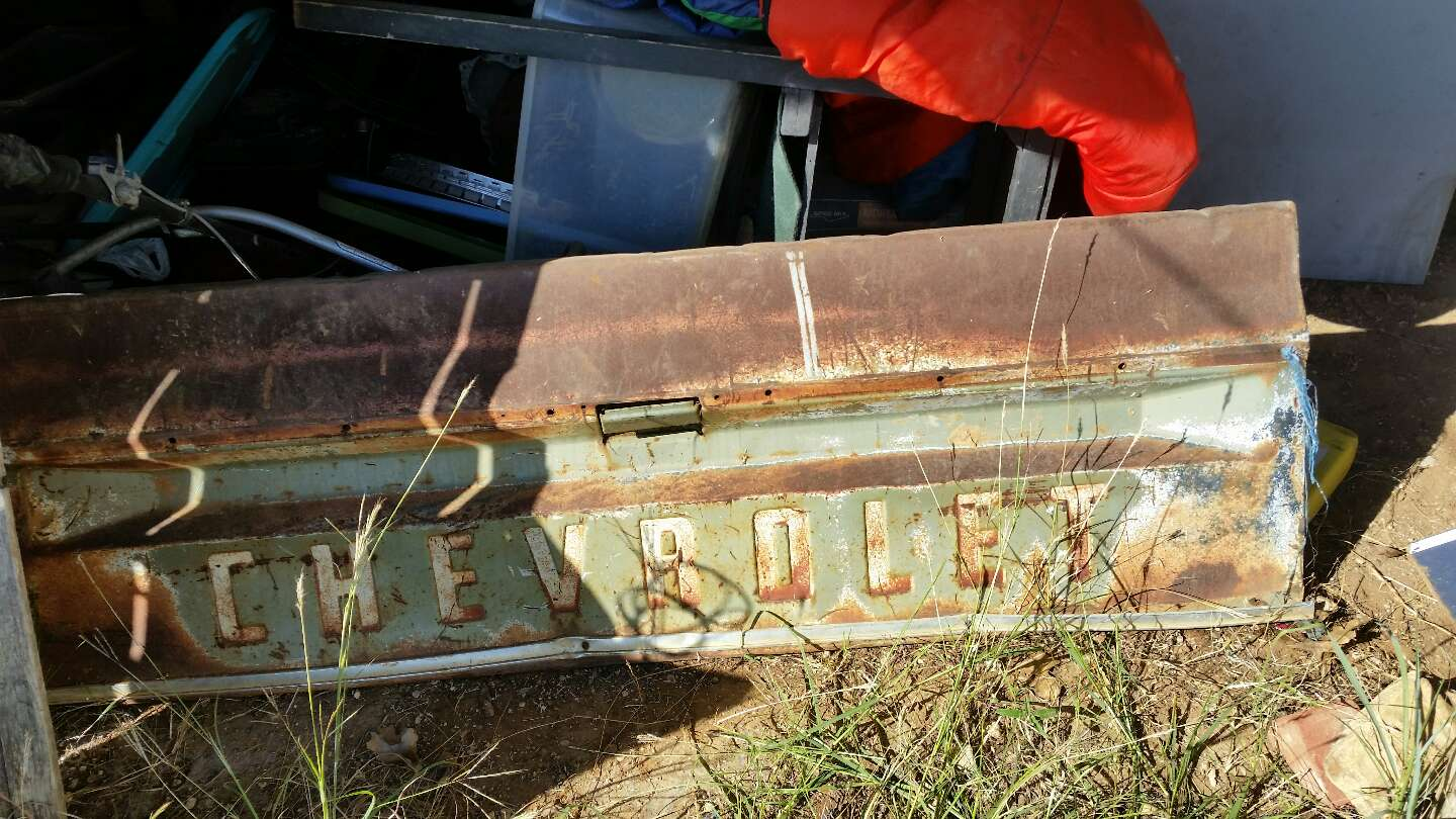 old chevy tailgates for sale in joshua tx 5miles buy and sell. Black Bedroom Furniture Sets. Home Design Ideas