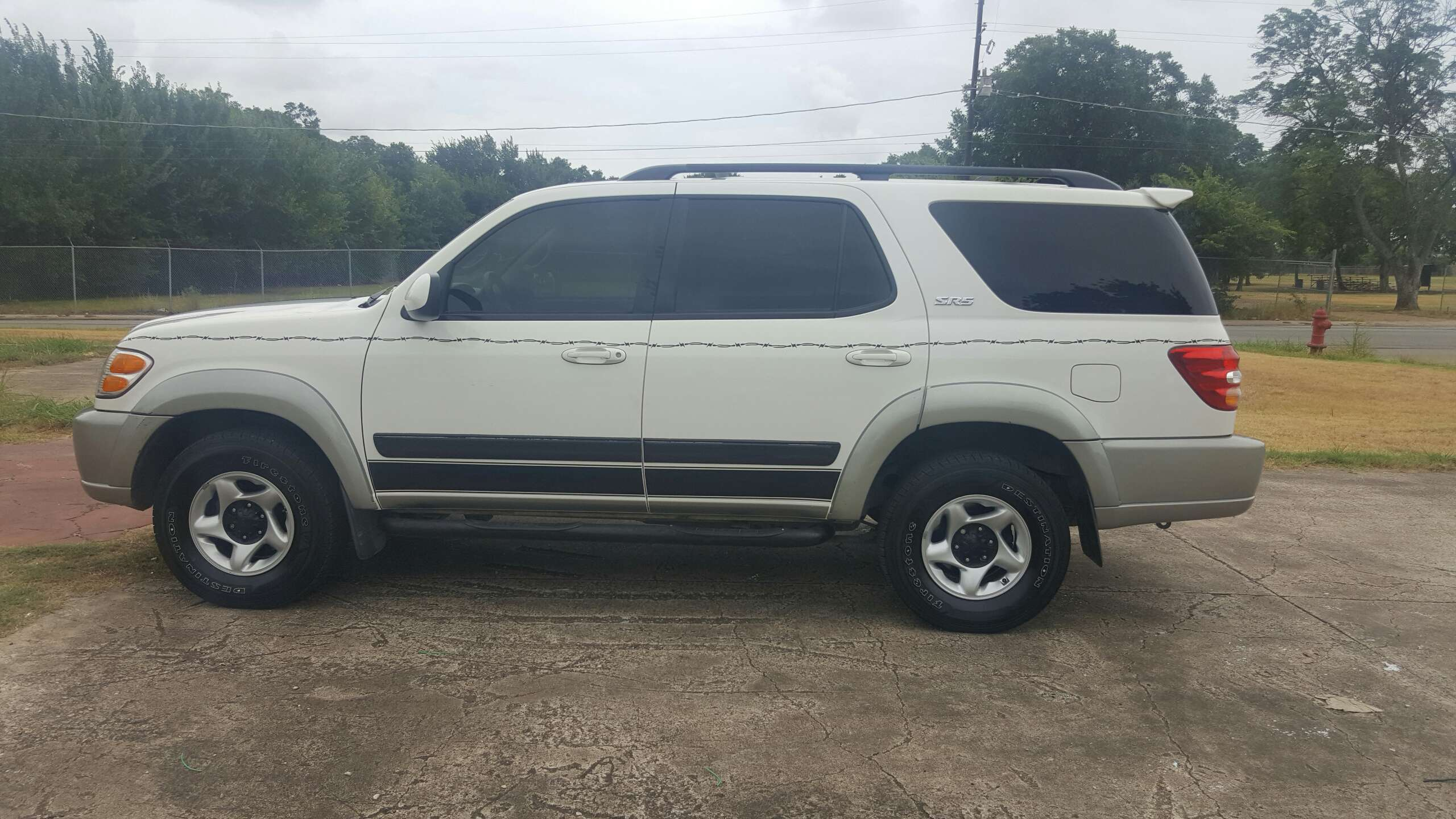 2003 toyota sequoia for sale in grand prairie tx 5miles. Black Bedroom Furniture Sets. Home Design Ideas