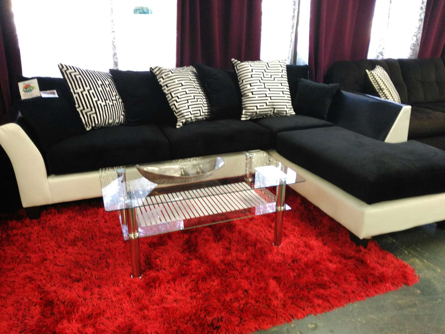 Black White Sectional W Loose Pillows For Sale In Farmers Branch Tx 5miles Buy And Sell