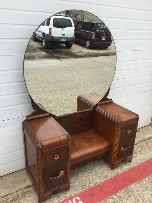 Antique vanity with round mirror antique furniture for Antique vanity with round mirror
