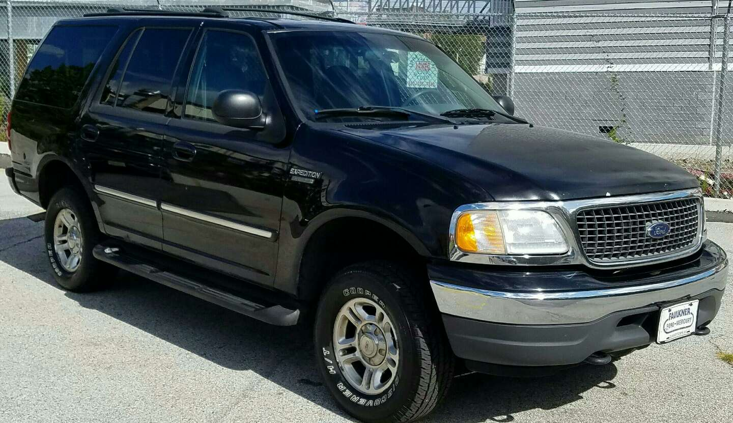 2002 ford expedition xlt 4x4 automatic loaded cold ac drives great 1750 for sale in. Black Bedroom Furniture Sets. Home Design Ideas