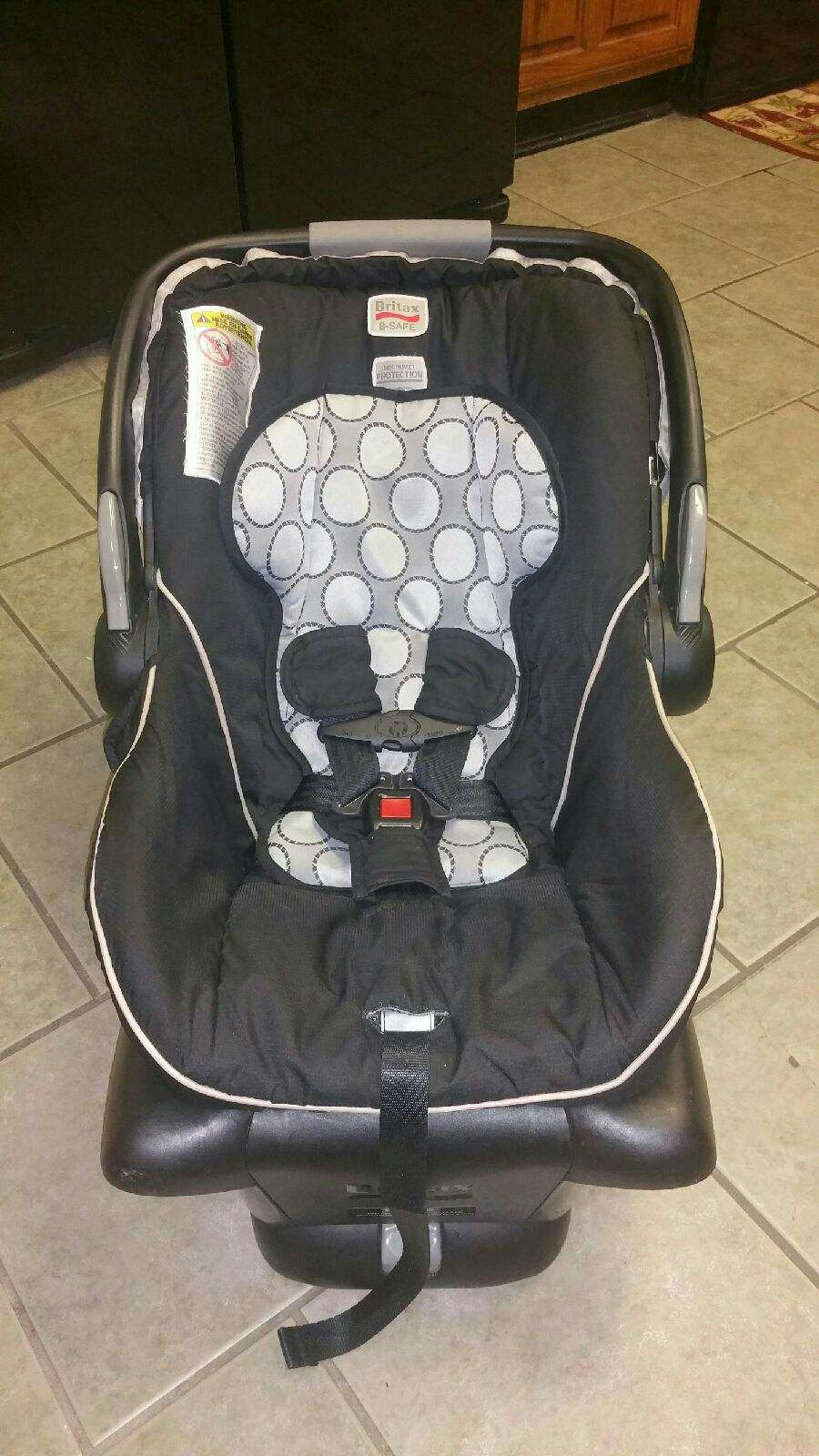 britax b safe infant car seat carseat for sale in grand prairie tx 5miles buy and sell. Black Bedroom Furniture Sets. Home Design Ideas