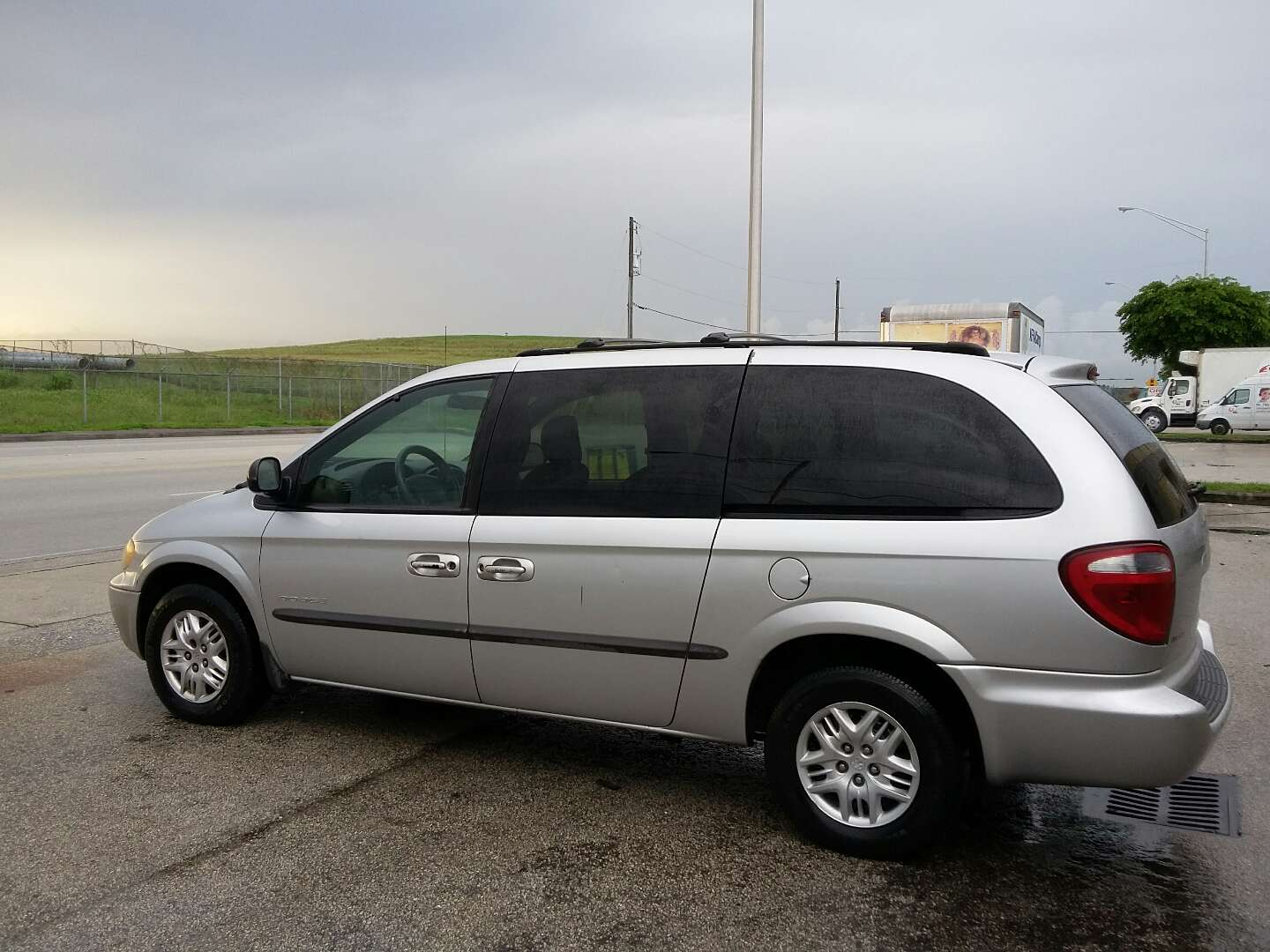 dodge grand caravan for sale in miami fl 5miles buy and sell. Black Bedroom Furniture Sets. Home Design Ideas